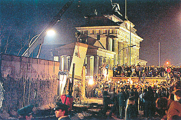 Berlin Wall Fall - 1989